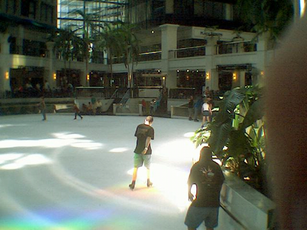 And the Quakecon 2003 Ice Capades come to a rousing finale.