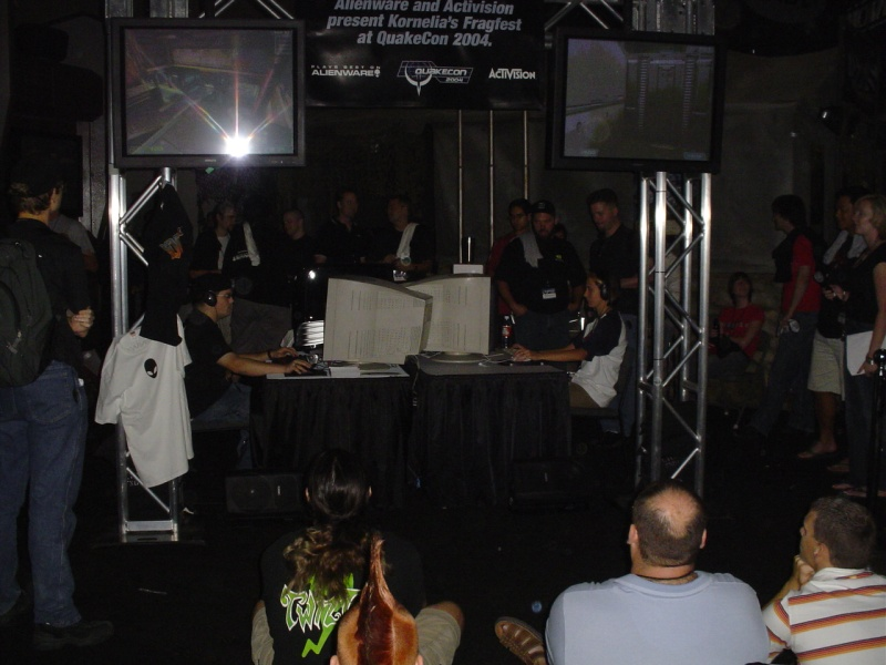 Doom 3 1 vs 1 tourney underway.